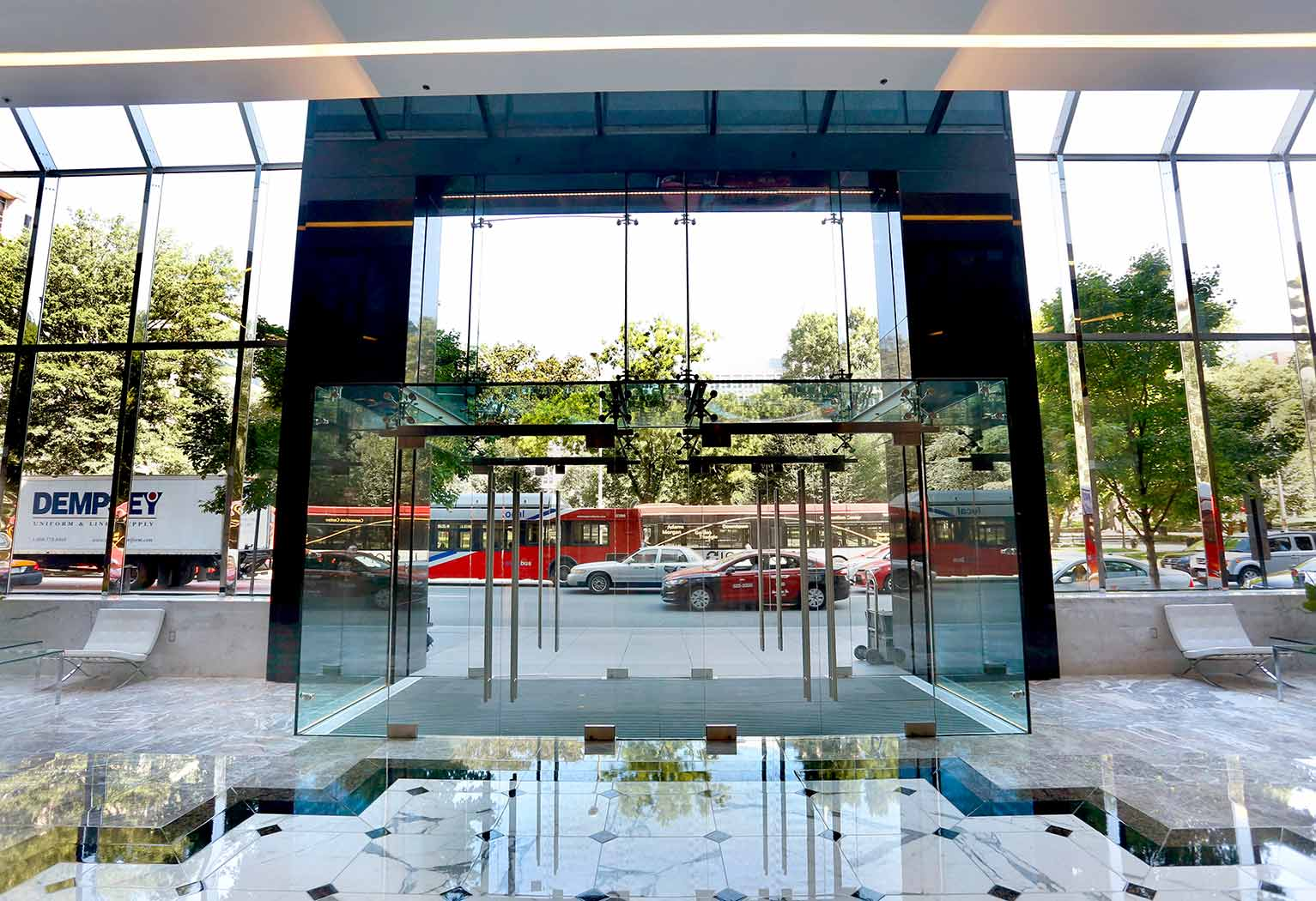 1350 I Street Glass Vestibule