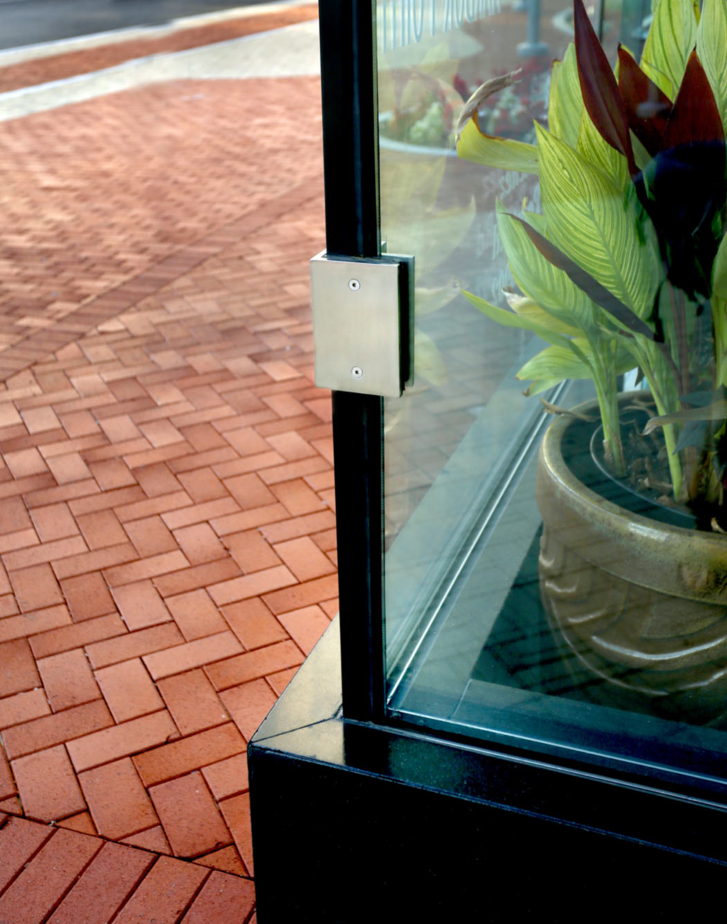 Glass Vestibule Corner Fitting