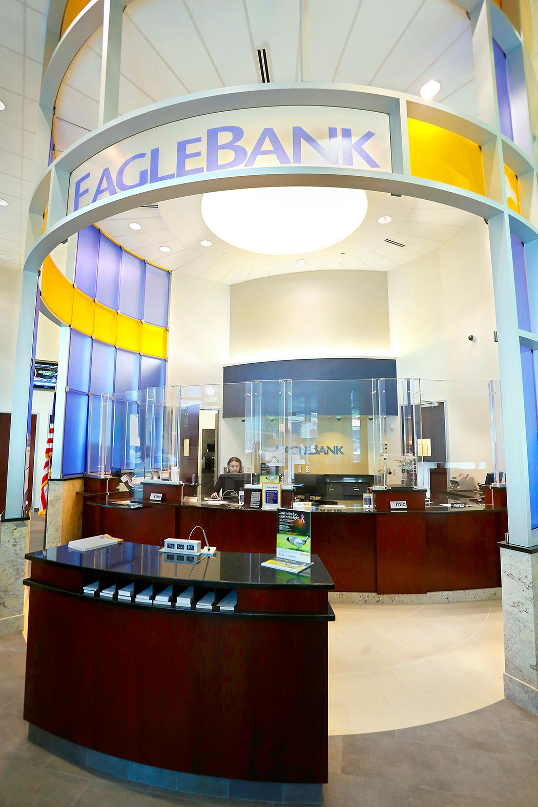 Living Room Feature Wall Decor: EagleBank Rosslyn Glass Feature Wall