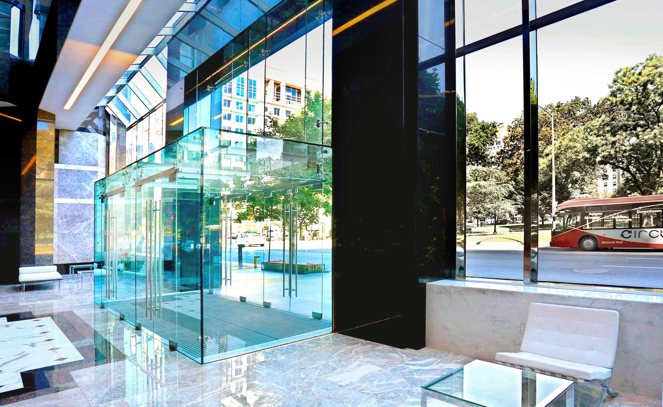 1350 I Street Structural Glass Vestibule