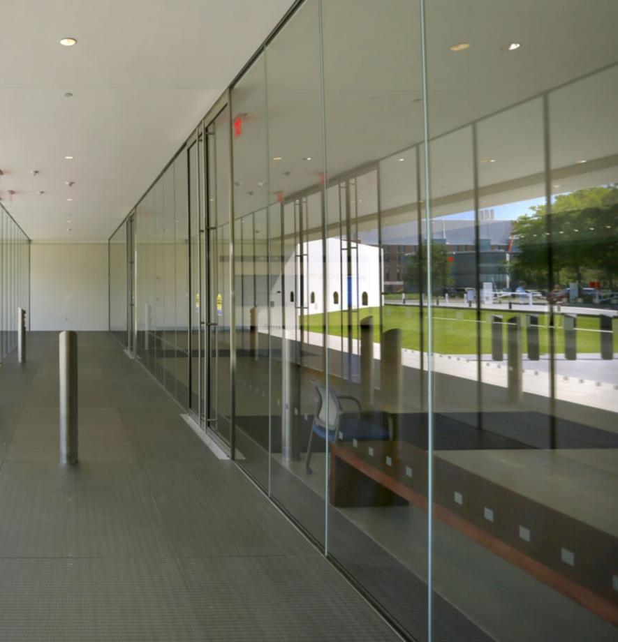 Class vestibule