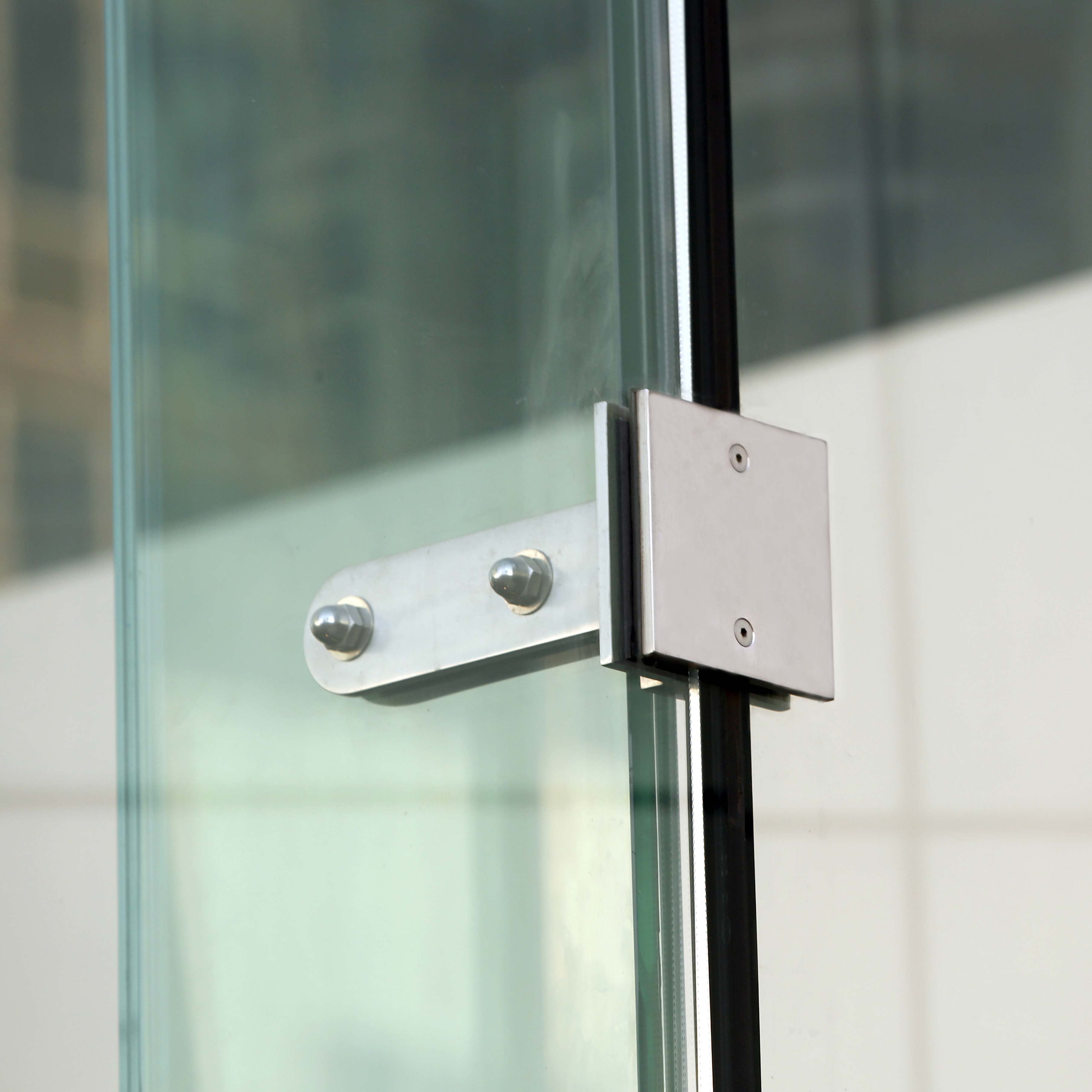 Glass Fitting on structural glass custom glazing system