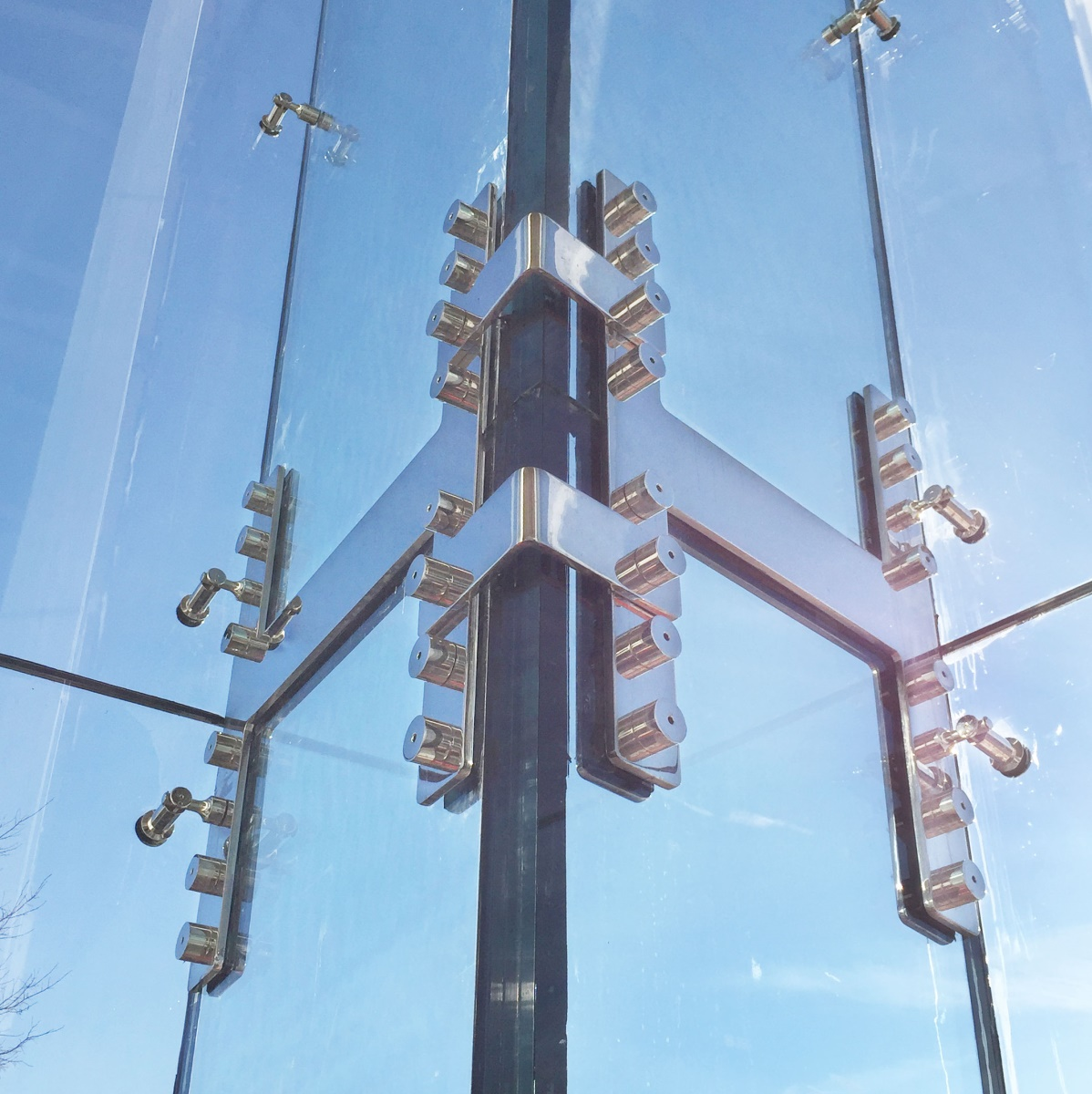 Structural Glass Fittings : Structural glass walls process design and engineering